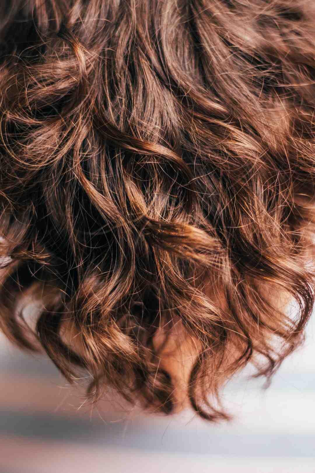 Comment avoir de beaux cheveux soyeux, lisses et brillants