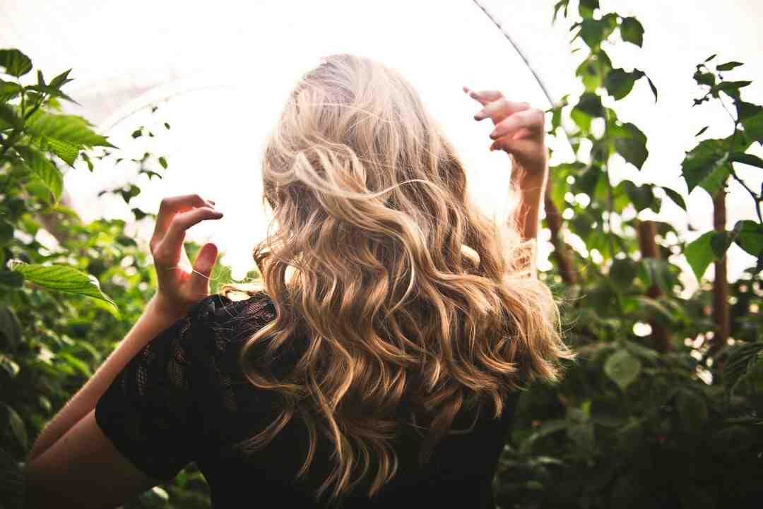 Comment faire pousser ses cheveux de 5cm ?